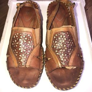 Ariat women's leather sandals fastening lace